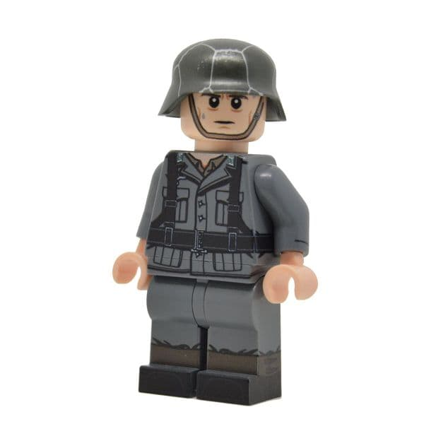 WW2 German With Flamethrower  | United Bricks | LEGO Minifigure